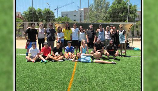 Actividades extraescolares. Partido de futbol. Clases de español para extranjeros