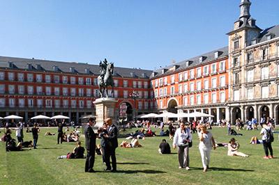 Plaza Mayor - Luis Vives Escuela de Español